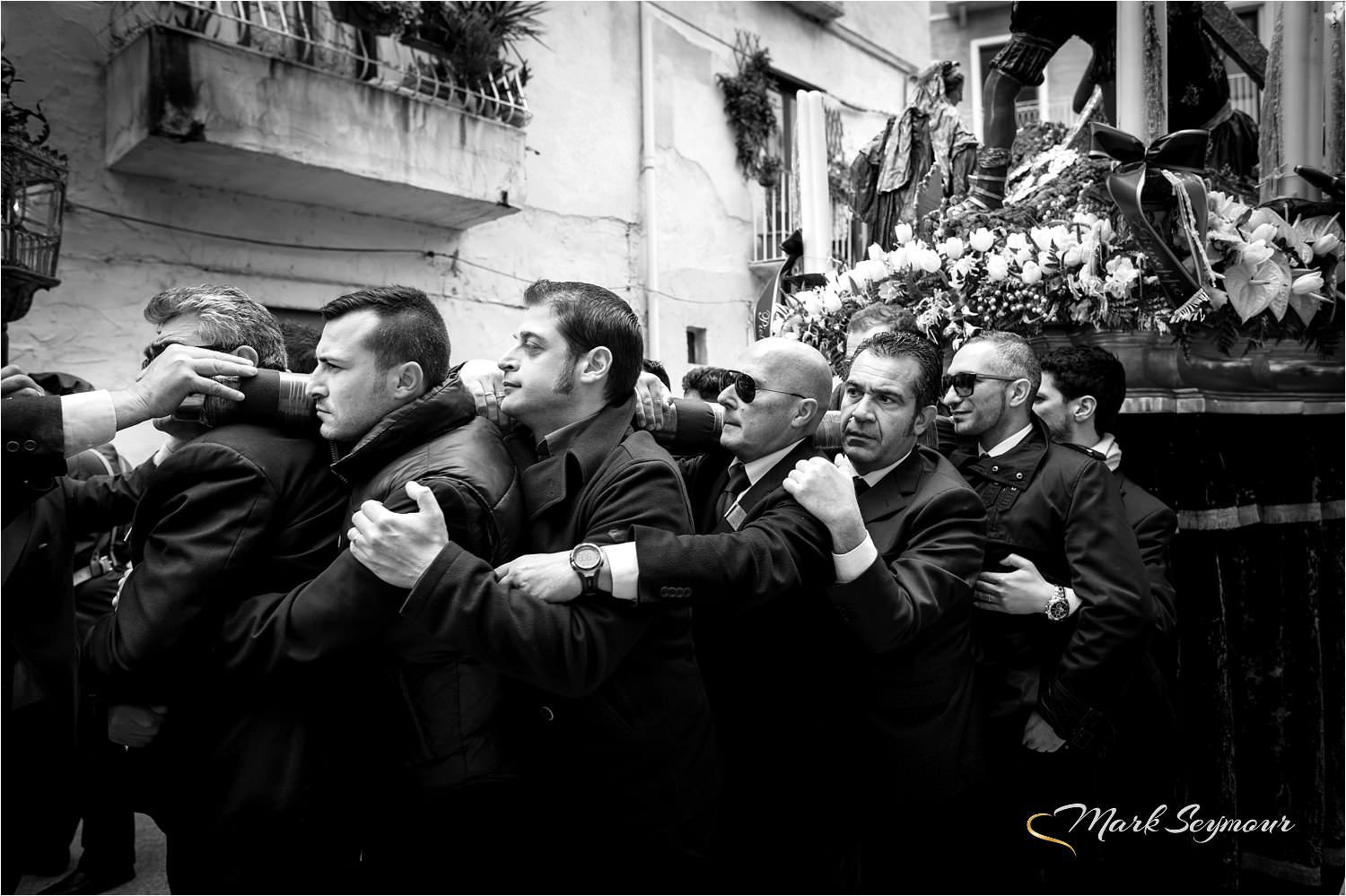trapani guys Concept stefaniamode is an exclusive retail destination in trapani, sicily region, for men and women with distinctive and dynamic style what started in 1971 as a small retailer in trapani, soon expanded into six storefronts in the charming historic center and in the medieval small town of erice, positioning itself in the sector thanks to the superior merchandise represented in the stores.