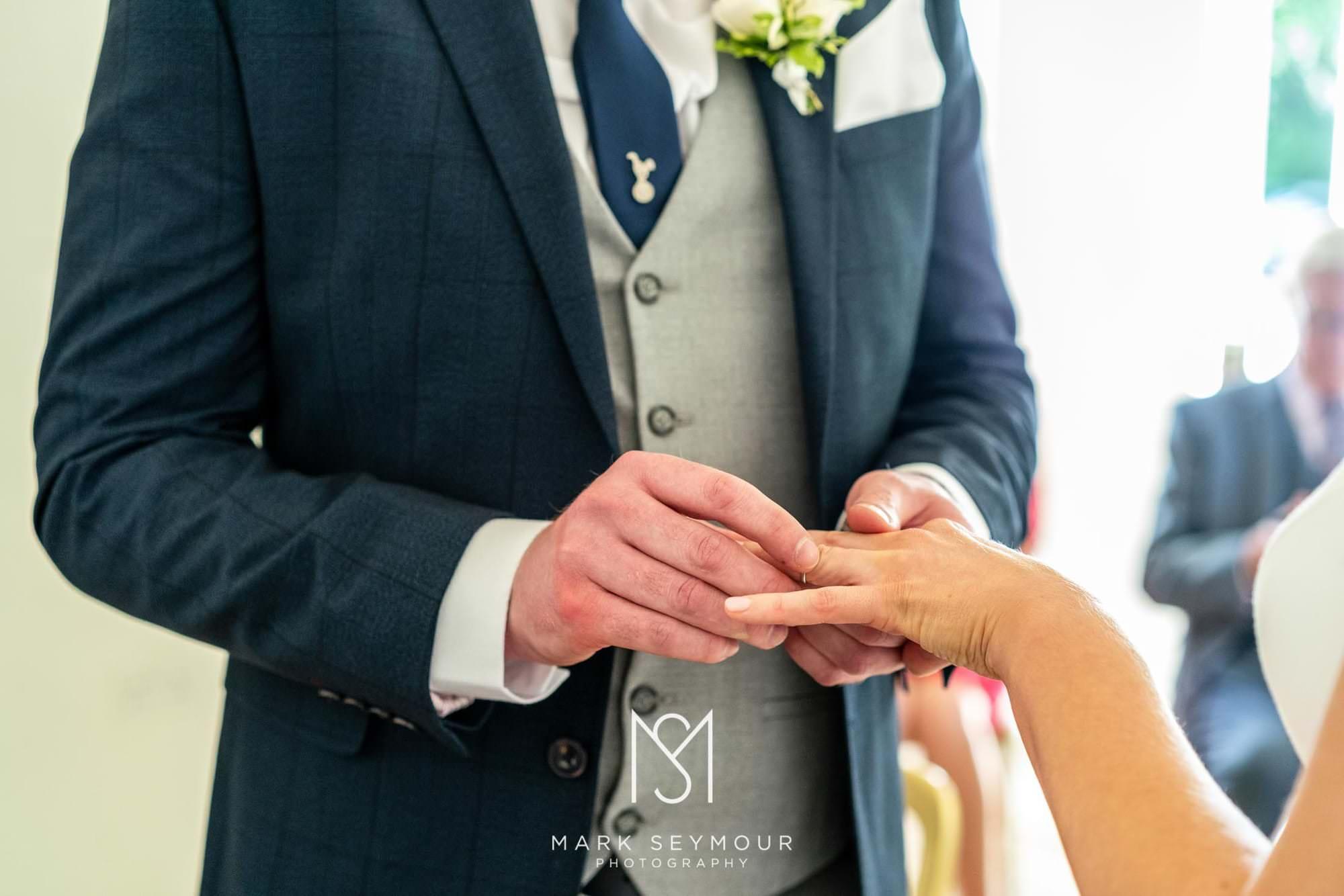 Hampden House Wedding Photography - Hannah and Lee's wedding. 4