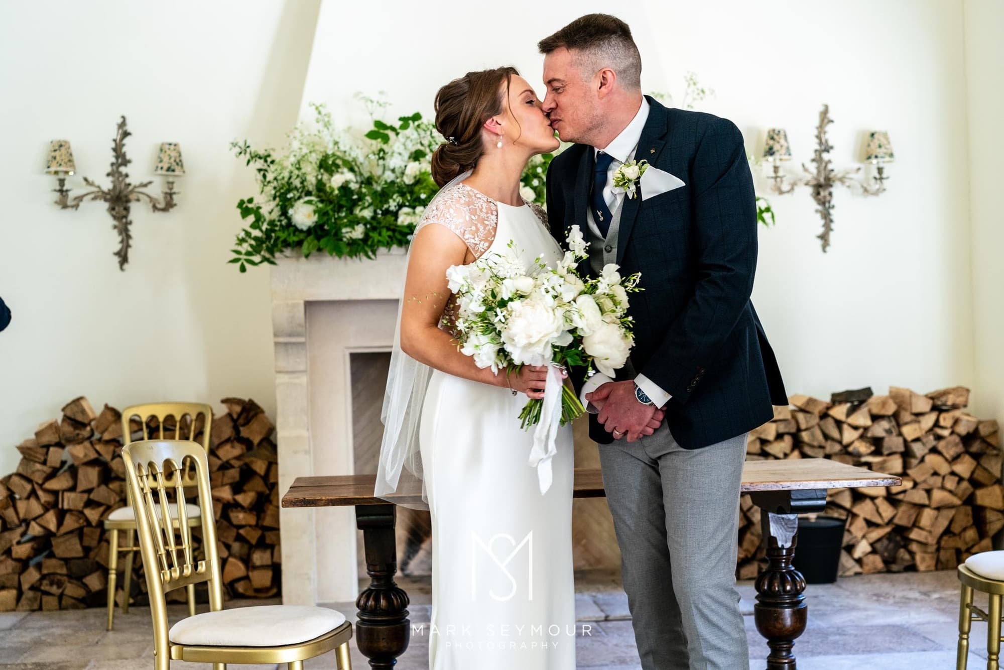 Hampden House Wedding Photography - Hannah and Lee's wedding. 5