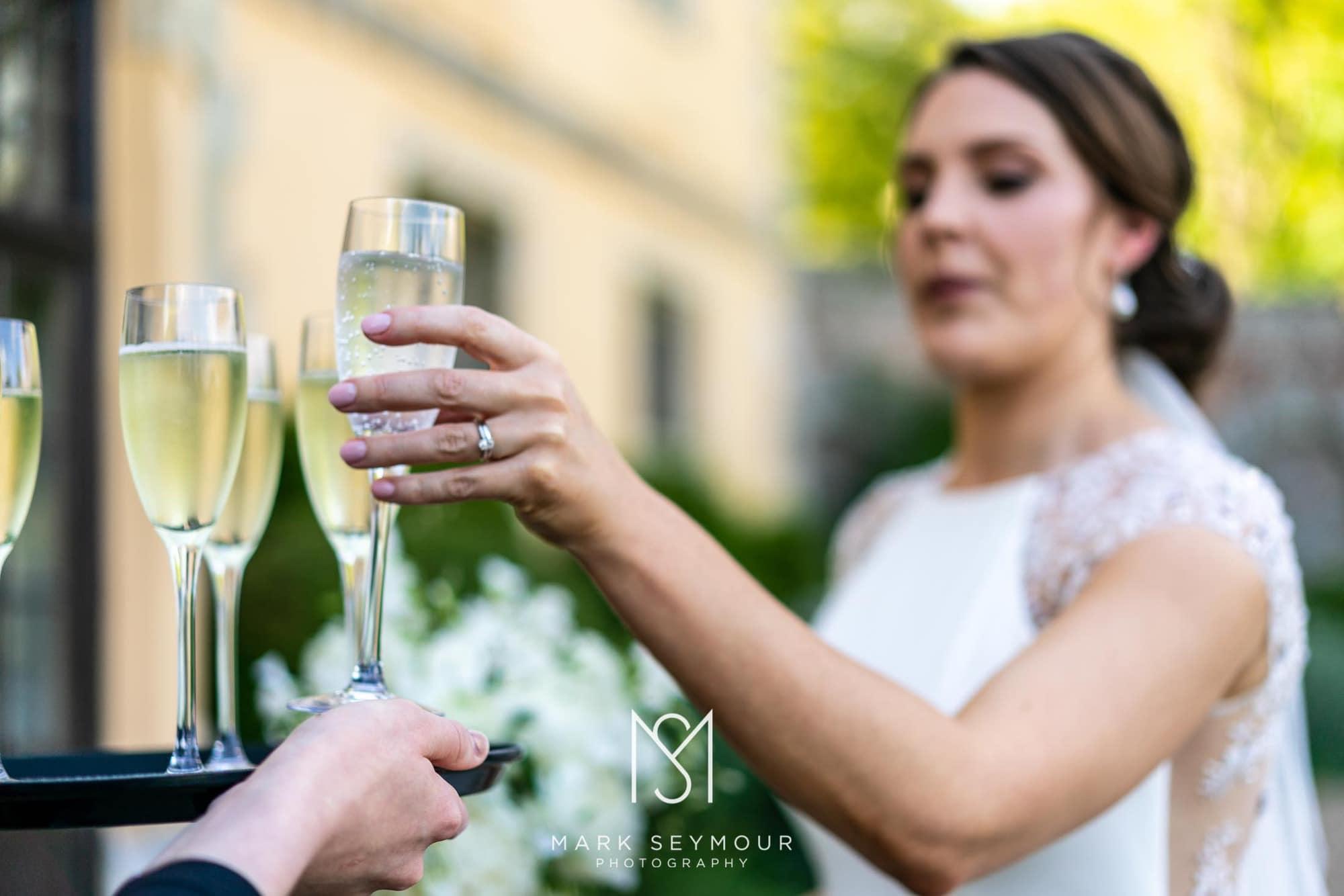 Hampden House Wedding Photography - Hannah and Lee's wedding. 6