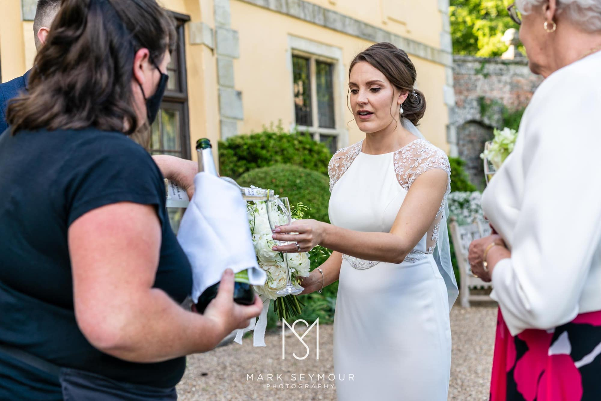 Hampden House Wedding Photography - Hannah and Lee's wedding. 9