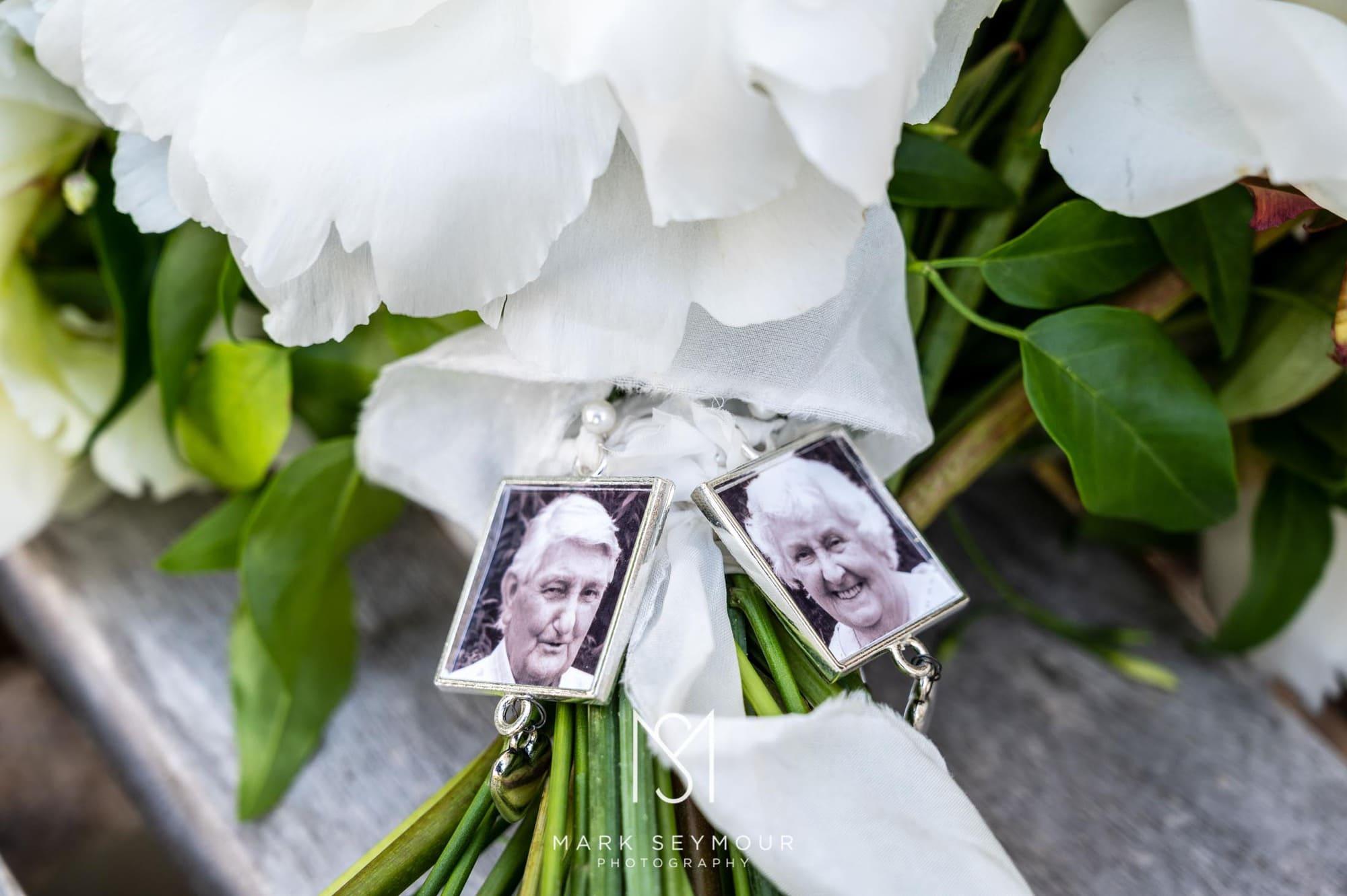 Hampden House Wedding Photography - Hannah and Lee's wedding. 16
