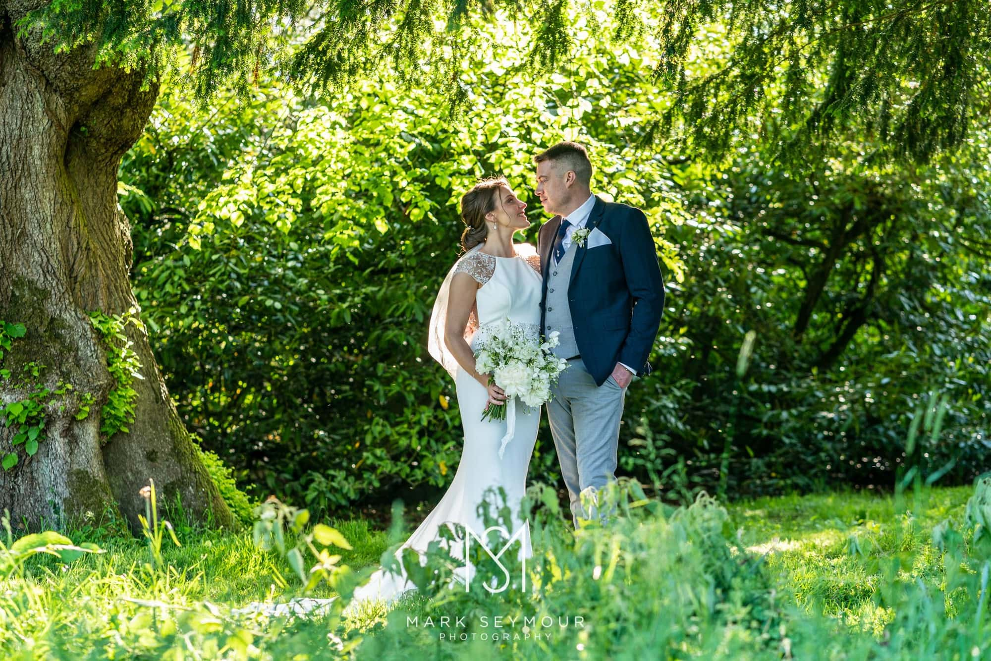 Hampden House Wedding Photography - Hannah and Lee's wedding. 21