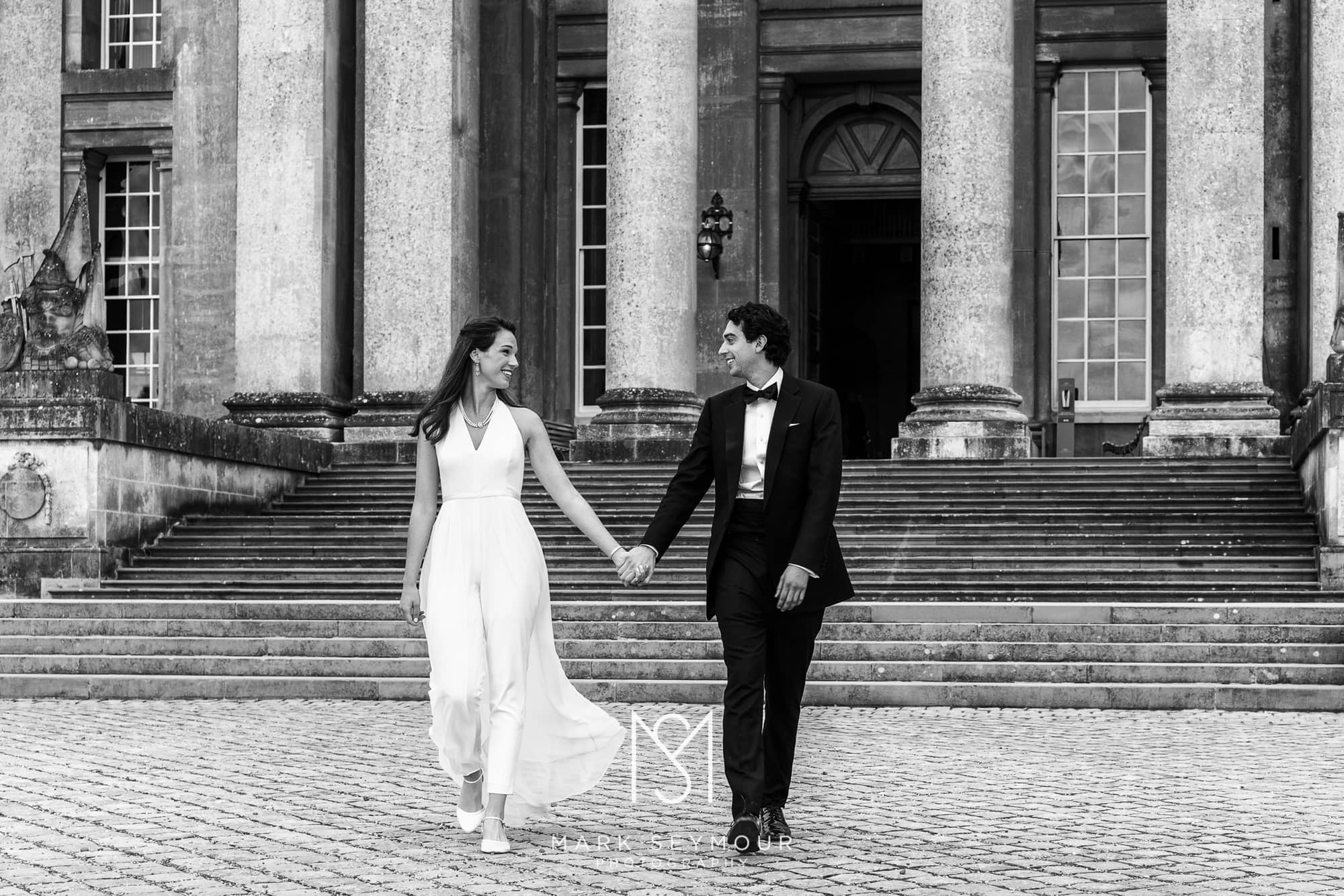 bridal couple at Blenheim Palace